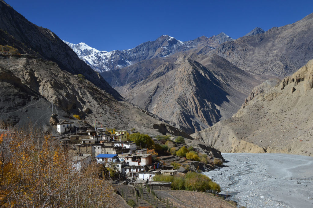 Muktinath trek landscape