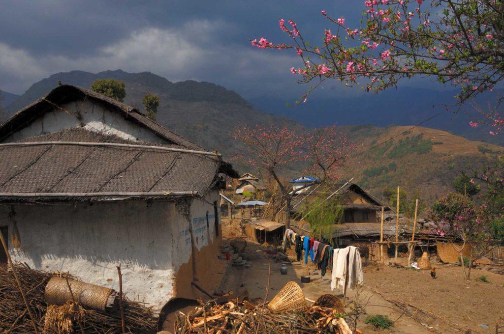 Arun Valley, the village of Bung